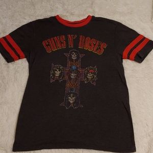 Welcome to the jungle, baby! GNR Tee Size M